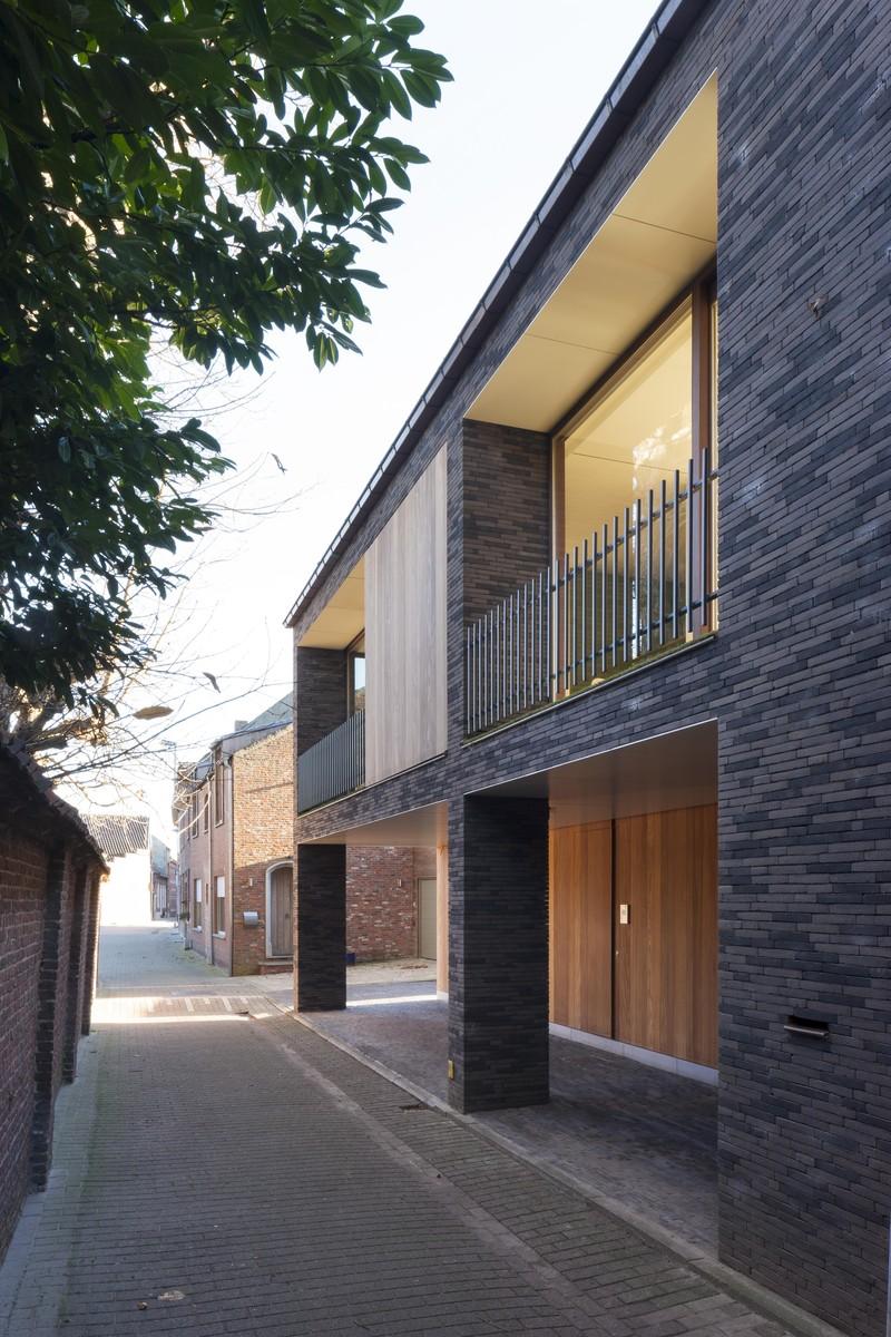 Een huis dat alle kanten uit kan projecten man architecten for Dat architecten